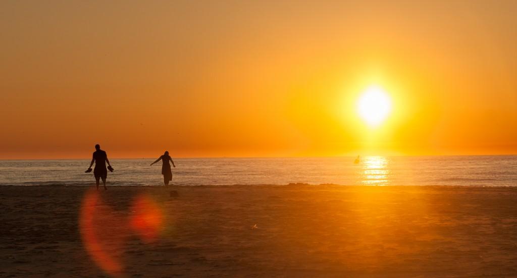 Sonnenuntergang ist Menschen im Bild noch interessanter